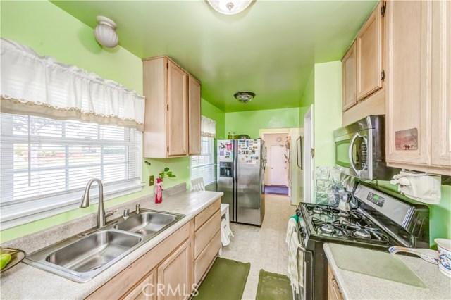 205 S Glenview Place, Orange CA: http://media.crmls.org/medias/5491f20a-3ce9-40b7-af85-86d280097400.jpg