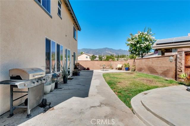 24899 Coral Canyon Road, Corona CA: http://media.crmls.org/medias/54a67dbb-52f9-4c74-a644-554d1ba267d8.jpg