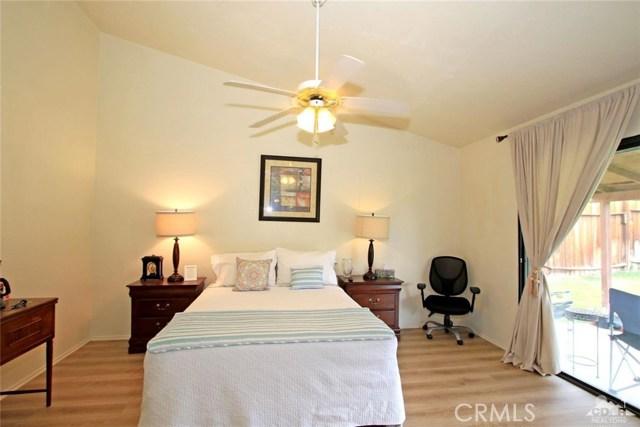 43750 Texas Avenue, Palm Desert CA: http://media.crmls.org/medias/54acdc1e-57c5-4e48-8ca3-b420ca4bdf5f.jpg