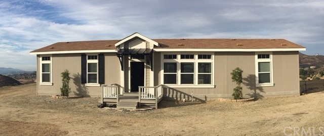 Photo of 24456 Oak Circle Drive, Wildomar, CA 92595
