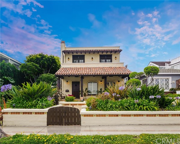Single Family Home for Rent at 321 Poppy Corona Del Mar, California 92625 United States
