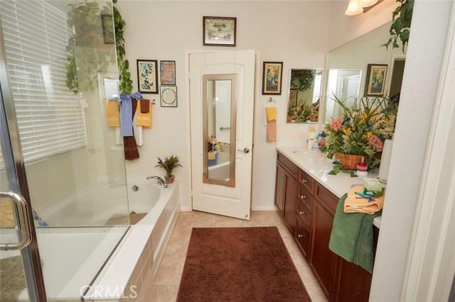 11457 Mint Street, Apple Valley CA: http://media.crmls.org/medias/54d2b461-1504-4f24-81d5-5580b21a9fc8.jpg