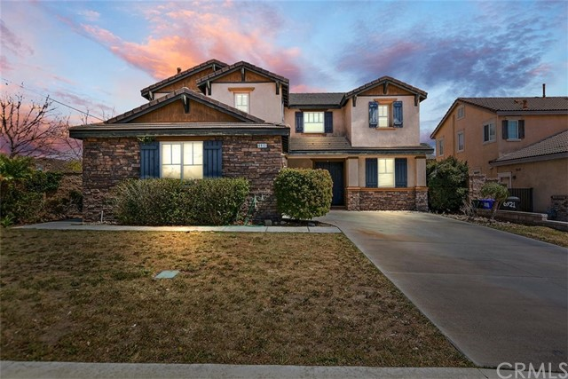 Detail Gallery Image 1 of 35 For 6913 Caswell Ln, Fontana,  CA 92336 - 4 Beds | 2/1 Baths