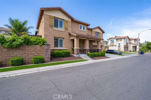 10961 Periwinkle Way, Riverside CA: http://media.crmls.org/medias/54da5312-8aa7-4172-b2d8-acb1f8fc9ee3.jpg