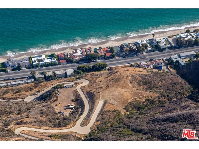 Additional photo for property listing at 5068 Carbon Beach Terrace  Malibu, California 90265 United States
