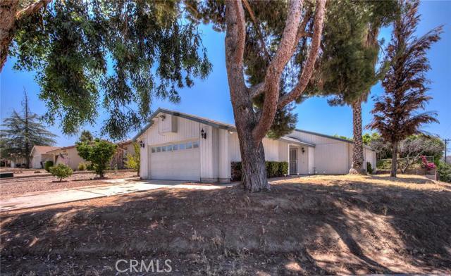 2505 Grand Teton Avenue Hemet, CA 92544 is listed for sale as MLS Listing CV16167132