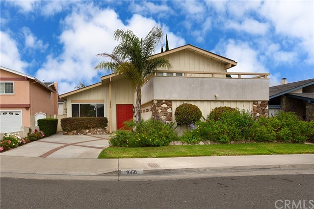 1650 S Melissa Way Anaheim, CA 92802 is listed for sale as MLS Listing OC17127032