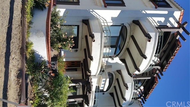 Townhouse for Rent at 4209 Ocean Boulevard E Long Beach, California 90803 United States