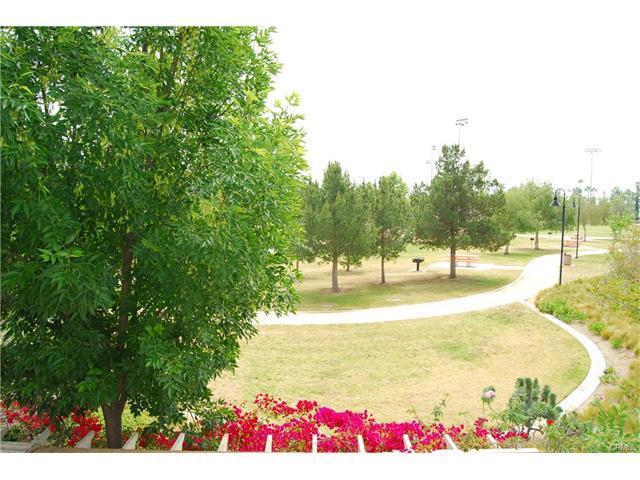 Condominium for Rent at 425 North Bloomberry St Orange, California 92869 United States