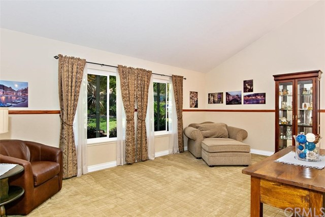 10425 Poplar Street, Rancho Cucamonga CA: http://media.crmls.org/medias/551d6162-39e8-4af1-bfd0-8d17cc555206.jpg