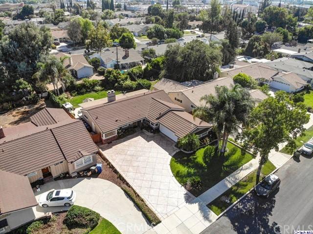 16816 San Jose Street, Granada Hills CA: http://media.crmls.org/medias/552a8704-b5c7-4807-9c6b-2d49e2f19c6c.jpg