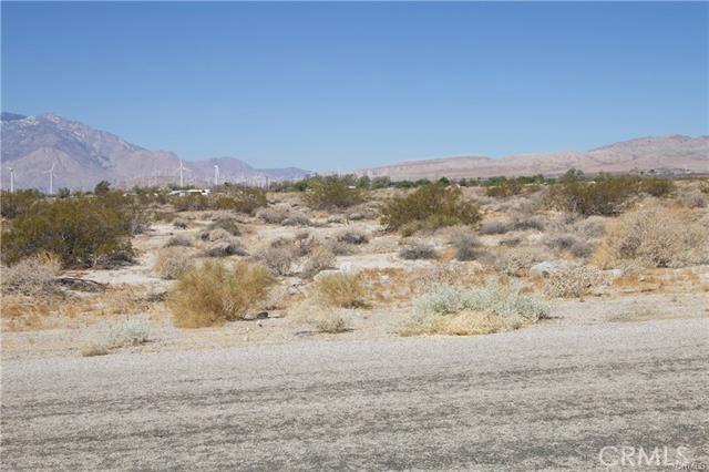 5 Kay Road, Desert Hot Springs CA: http://media.crmls.org/medias/552c215a-32f8-4fb7-978a-821282f02a8b.jpg