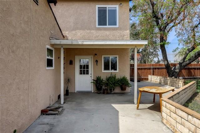 440 W Randall Avenue, Rialto CA: http://media.crmls.org/medias/553d72cf-09a6-48da-98a2-e78ec76208c5.jpg