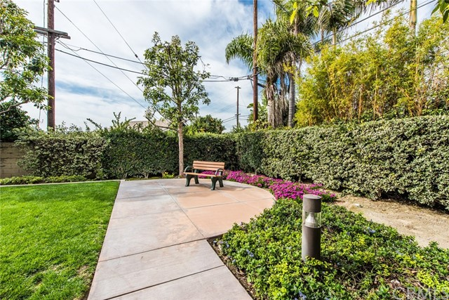 17772 Independence Lane, Fountain Valley CA: http://media.crmls.org/medias/554e8d8b-a0bb-4714-aa14-a041f7590146.jpg
