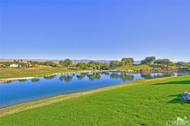 104 Loch Lomond Road, Rancho Mirage CA: http://media.crmls.org/medias/554f48af-de7d-4f4f-9130-3125353f6741.jpg