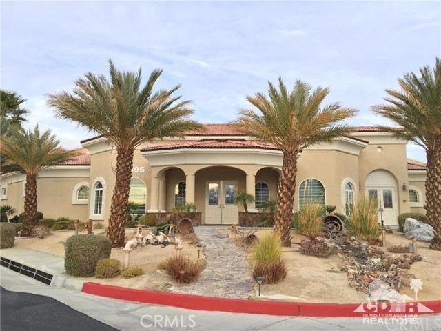 65071 Cliff Circle, Desert Hot Springs CA: http://media.crmls.org/medias/554f76a1-bf0d-44f2-8bae-ad1889e3f533.jpg