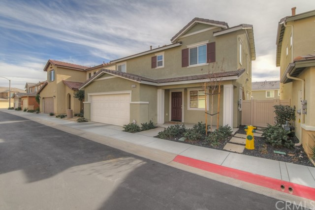 1425 Bayberry Ln, Beaumont, CA 92223