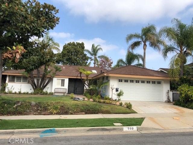 900 Chestnut Place, Newport Beach CA: http://media.crmls.org/medias/556721a4-cb00-4c94-9978-c5b6d27b233a.jpg