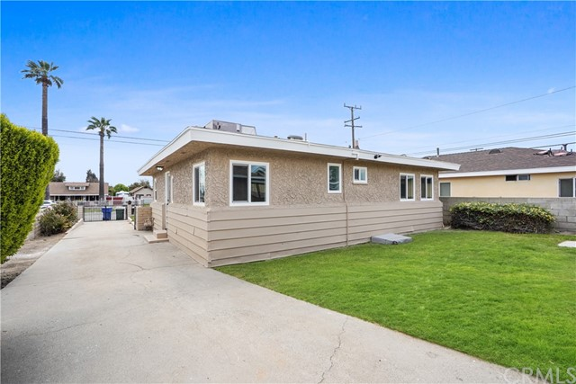 1086 W 10th Street, San Bernardino CA: http://media.crmls.org/medias/5569ac71-210a-48ca-93a9-3fa906f0f620.jpg