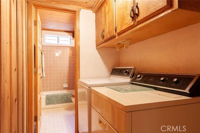 437 Gold Mountain Drive, Big Bear CA: http://media.crmls.org/medias/556c1ce5-3a6f-4c74-b3a0-758dd536c4c1.jpg
