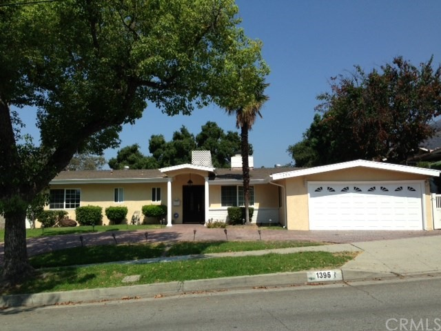 Single Family Home for Sale at 1395 Riviera Drive Pasadena, California 91107 United States