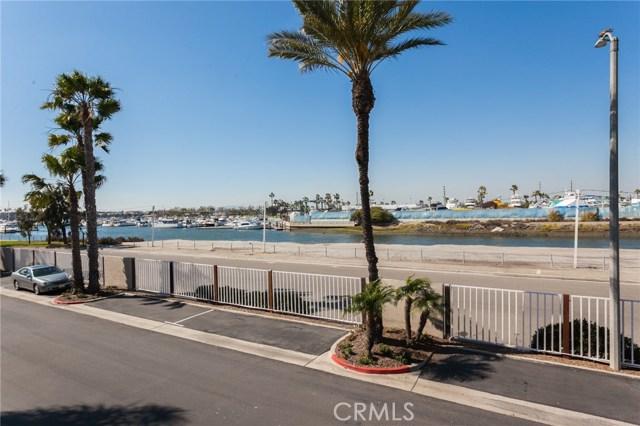 3262 Sparkler Drive, Huntington Beach CA: http://media.crmls.org/medias/55777238-ce53-4775-bdd1-8d044b06e9fc.jpg