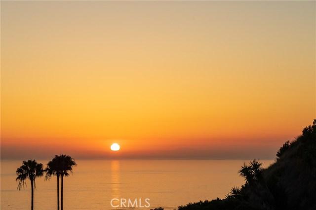 651 Nyes Place, Laguna Beach CA: http://media.crmls.org/medias/558a3bc0-827b-4003-90e8-80ee5c1532dc.jpg