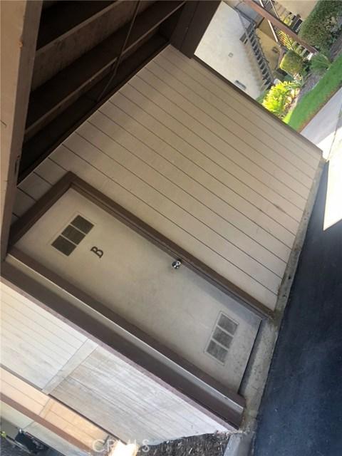3274 Little Mountain Drive, San Bernardino CA: http://media.crmls.org/medias/5592b4c7-3918-473a-b4d8-588e234796bd.jpg