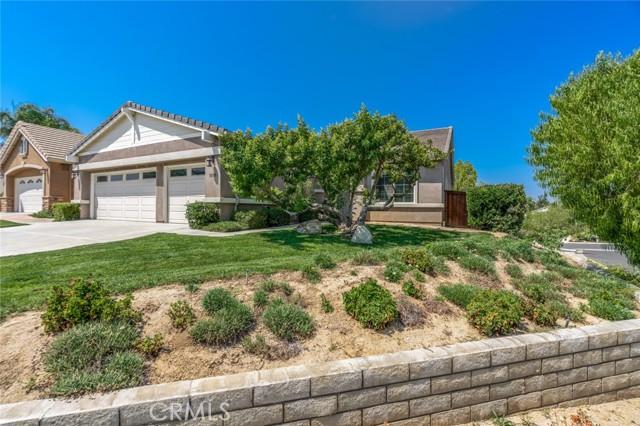 30338 Conn Creek Circle, Murrieta CA: http://media.crmls.org/medias/5593f4b5-7835-43cc-90c9-b0a3ec98b48a.jpg