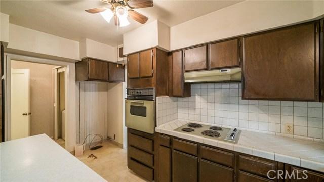 270 E 1st Avenue, Chico CA: http://media.crmls.org/medias/5597a3f4-b6c2-4bf5-8a1a-6edfe32e87ca.jpg