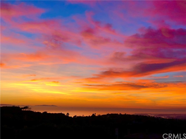 11 Vista Lesina, Newport Coast CA: http://media.crmls.org/medias/55a24ae1-d641-4a84-abb0-658d457bd19f.jpg
