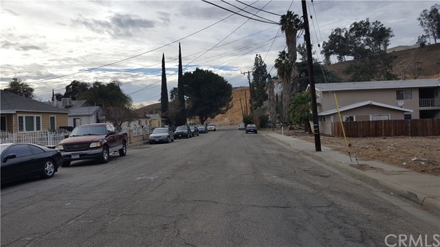 1317 Hillside Drive, San Bernardino CA: http://media.crmls.org/medias/55abc3bd-7cfa-4742-8fa9-5861e03732ba.jpg