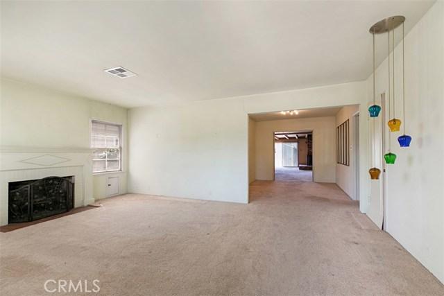 1424 E Armando Drive, Long Beach CA: http://media.crmls.org/medias/55ad4d5c-98f0-4cfe-ae53-4dc2fa402363.jpg