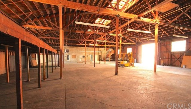 980 Holt W Avenue, Pomona CA: http://media.crmls.org/medias/55b55d90-14f6-47f3-8e79-3798cc4eac00.jpg