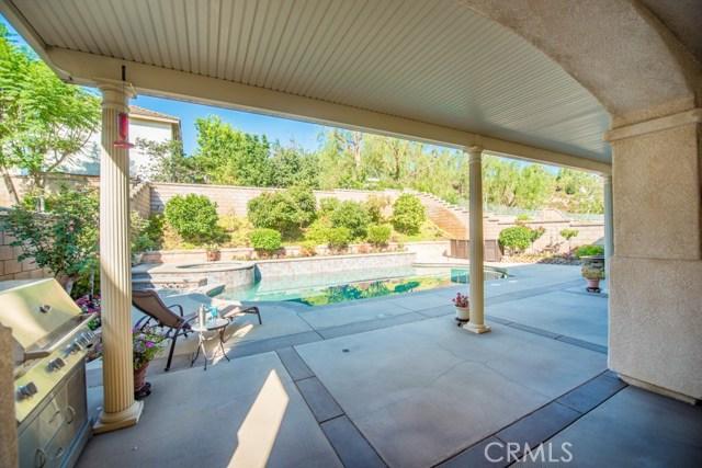 16252 Phidias Lane, Chino Hills CA: http://media.crmls.org/medias/55b8bcef-1c3f-4d11-85e0-ddb95399d8ba.jpg