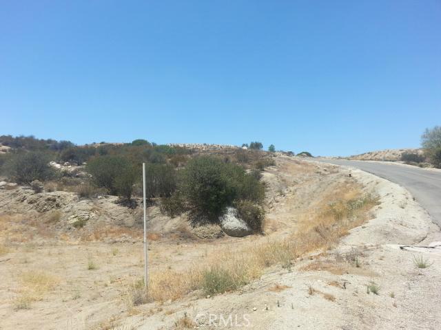23447 Sky Mesa Road, Juniper Flats CA: http://media.crmls.org/medias/55b9ea21-17a6-4684-8a90-c303959fb5b6.jpg
