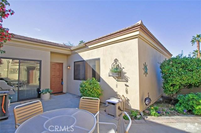 76235 Poppy Lane, Palm Desert CA: http://media.crmls.org/medias/55c2ba68-b95b-4d94-9109-e4007176983c.jpg