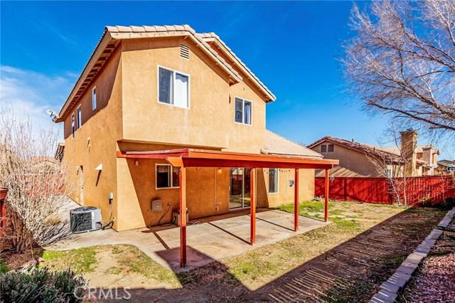 13131 Fullerton Drive, Victorville CA: http://media.crmls.org/medias/55c442db-9bd1-4597-ac7b-92f6899364e1.jpg