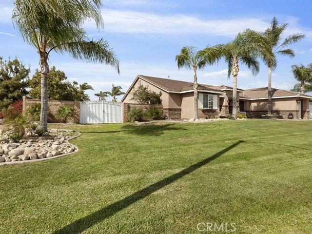 10169 Woodbridge Lane, Riverside CA: http://media.crmls.org/medias/55cf70ca-8172-4f89-b202-e5a5f9f86a90.jpg