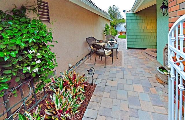 13 Winterbranch, Irvine CA: http://media.crmls.org/medias/55d3a109-262d-4dfc-8ac1-c0ee4d645728.jpg
