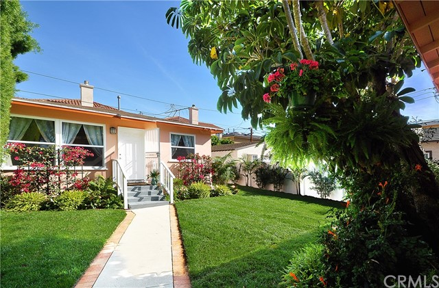 18400 Kingsdale Avenue Redondo Beach, CA 90278 is listed for sale as MLS Listing PV16747113