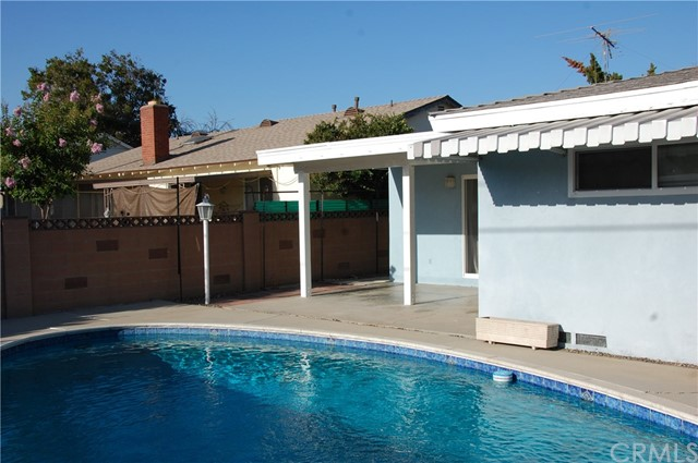 6621 Whitman Avenue, Lake Balboa CA: http://media.crmls.org/medias/55f3f15d-5c14-4065-b286-ac07de235858.jpg
