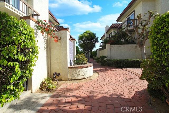 526 N Ynez Avenue, Monterey Park CA: http://media.crmls.org/medias/56053ace-a6a8-41e4-b3e6-1b4722e065bc.jpg