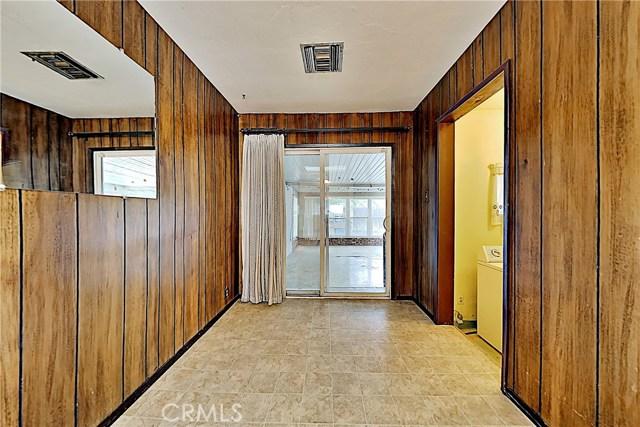 1405 S Nevada Avenue, Los Banos CA: http://media.crmls.org/medias/56055814-9d93-42cd-bc6d-0326e56f530b.jpg