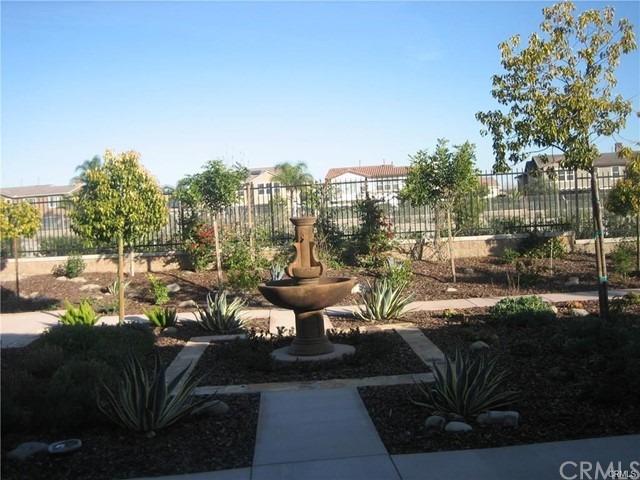 14359 Guilford Avenue, Chino CA: http://media.crmls.org/medias/5609c679-5a0a-45b6-907d-54ce4c42f611.jpg