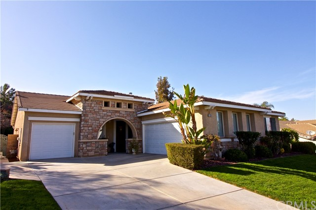 Photo of home for sale at 4190 Morales Way, Corona CA