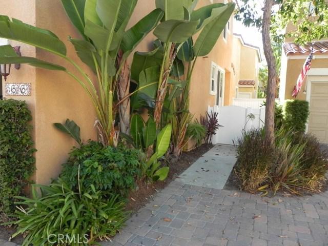 66 Las Flores, Aliso Viejo CA: http://media.crmls.org/medias/562287b4-77ee-4fdd-90f2-cbde6daa3b65.jpg