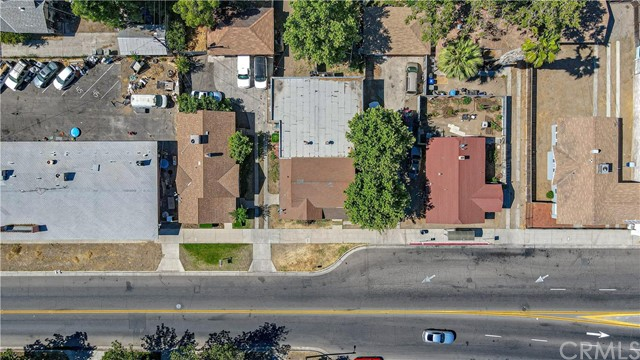 1625 E Olive Avenue, Fresno CA: http://media.crmls.org/medias/56340b7f-0fe2-4531-8008-76e100b52ee9.jpg