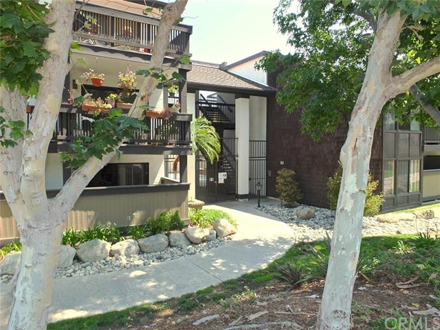 2510 E Willow Street 104 Signal Hill, CA 90755 is listed for sale as MLS Listing PW16147605