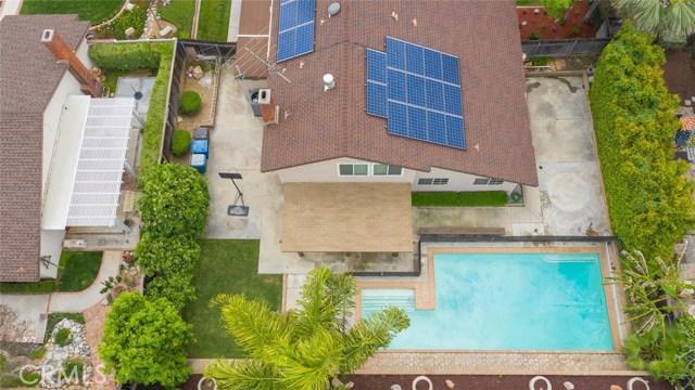 1361 Rosehill Drive, Riverside CA: http://media.crmls.org/medias/56381141-0639-47b2-9074-20807229ae3c.jpg
